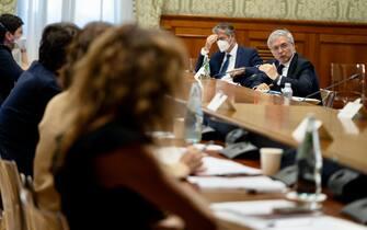I ministri riuniti a Palazzo Chigi per la Nadef