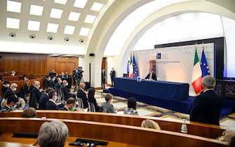 Il premier Mario Draghi alla conferenza stampa dopo il G20 sull'Afghanistan