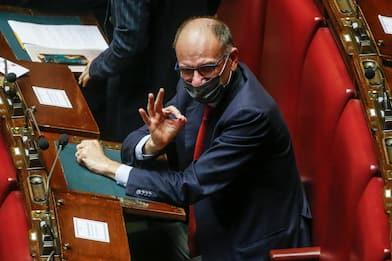 Pd, Letta torna alla Camera dei Deputati: no ad elezioni anticipate