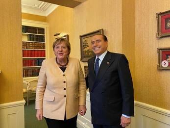 """Berlusconi: """"Draghi al Colle? Come premier più vantaggi a Paese"""""""