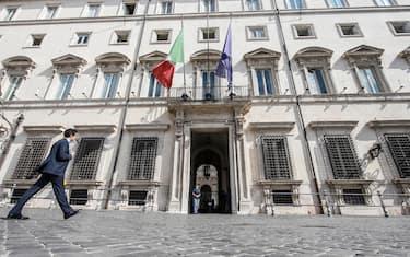 Palazzo Chigi durante il consiglio dei Ministri, Roma 13 luglio 2020. ANSA/FABIO FRUSTACI