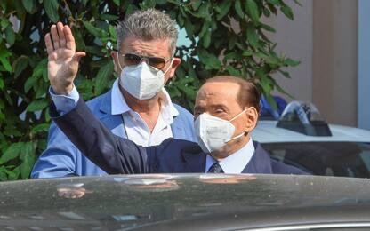 Silvio Berlusconi ancora positivo al coronavirus a un mese da contagio