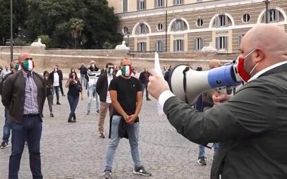 Protesta di CasaPound in centro a Roma: fermato il corteo. VIDEO