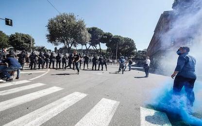 Roma, manifestazione ultras e Forza Nuova: disordini al Circo Massimo