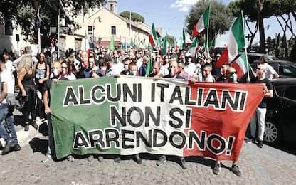 """Roma, raduno nazionale delle """"mascherine tricolore"""". VIDEO"""