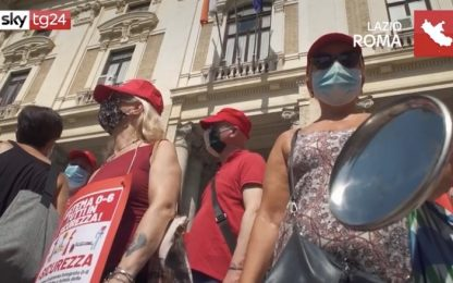 Roma, flash mob dei lavoratori del comparto scuola. VIDEO