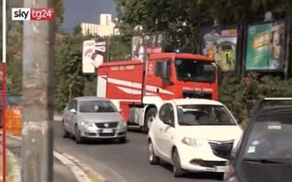 Roma, maxi incendio di sterpaglie: riaperto Grande Raccordo Anulare