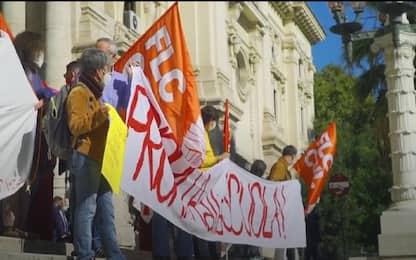 """Roma, flash mob davanti al Miur: """"Scuola in presenza ma in sicurezza"""""""