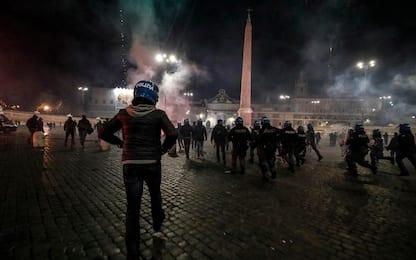 Covid Roma, quattro arresti dopo disordini. Al vaglio altre posizioni