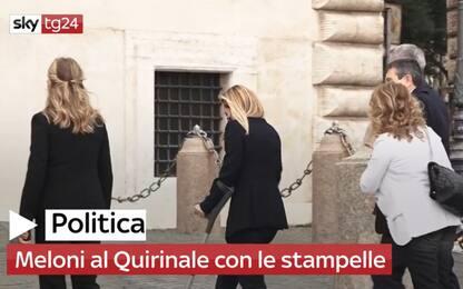 Crisi di governo, Giorgia Meloni al Quirinale con le stampelle. Video