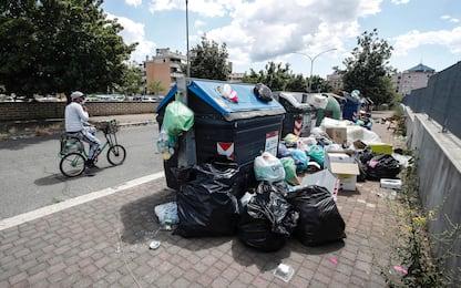 Caos rifiuti a Roma, piano per scongiurare l'emergenza