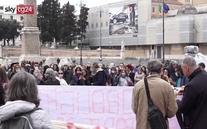 Covid, a Roma infermieri in piazza contro obbligo vaccino. VIDEO