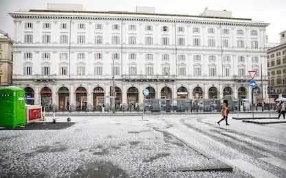 Violenta grandinata a Roma: strade ricoperte di ghiaccio