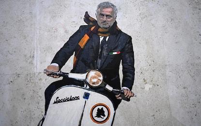 Roma, a Testaccio un murale dedicato a Mourinho. VIDEO