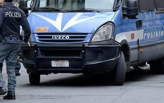 Presidi delle forze impegnate nell'ordine pubblico a prevenzione della manifestazione non autorizzata prevista nel pomeriggio nel centro di Roma, 12 aprile 2021. ANSA/CLAUDIO PERI