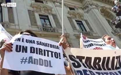 Scuola, a Roma manifestazione dei docenti contro il precariato. VIDEO
