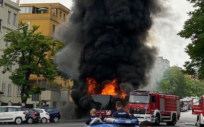 Incendio bus a Roma, nessun ferito