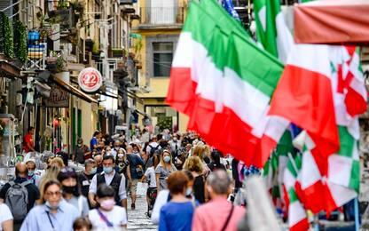 Roma, ruba bandiera Italia a bimbo di 5 anni: padre gli rompe gamba