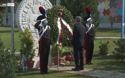 Sisma Amatrice, Draghi depone corona alloro a monumento vittime. VIDEO