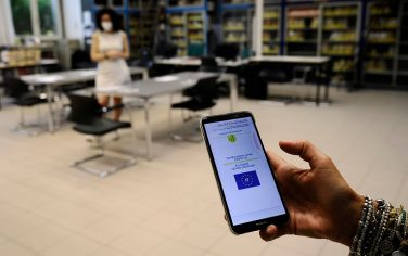 """Controllo del Green Pass per il personale scolastico del Liceo """"Giulio Cesare""""Roma 01 settembre 2021.ANSA/FABIO CIMAGLIA"""
