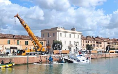 Peschereccio affondato a Fiumicino, urto in banchina probabile causa