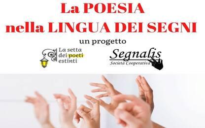 Le opere dei grandi poeti divulgate sui social con la lingua dei segni
