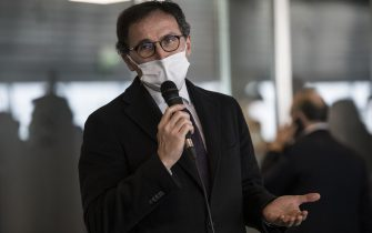 CASELLE TORINESE, ITALY - APRIL 02: Francesco Boccia Minister for Regional Affairs with mask speaks during on the first 21 volunteer reinforcement doctors for the hospitals in Piedmont following the pandemic COVID 19 arrive at Turin airport, accompanied by Minister Francesco Boccia on April 02, 2020 in Caselle Torinese near Turin, Italy. The Italian government continues to enforce the nationwide lockdown measures to control the spread of the Coronavirus (COVID-19).  (Photo by Stefano Guidi/Getty Images)