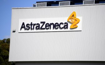 epa08656724 (FILE) - A general view of the AstraZeneca headquarters in Sydney, Australia, 19 August 2020 (reissued 09 September 2020). Biopharmaceutical company AstraZeneca has halted the final phase of developing a vaccine against the coronavirus SARS-CoV-2 due to severe side effects in one of the test persons.  EPA/DAN HIMBRECHTS AUSTRALIA AND NEW ZEALAND OUT *** Local Caption *** 56283203