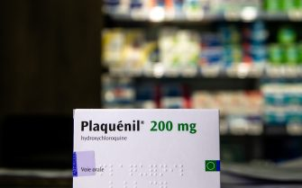 (200528) -- PARIS, May 28, 2020 (Xinhua) -- A box of Plaquenil (hydroxychloroquine) is seen at a drugstore in Paris, France, April 29, 2020. France on Wednesday banned the use of malaria drug hydroxychloroquine to treat patients suffering severe forms of COVID-19, the disease caused by the novel coronavirus. (Photo by Aurelien Morissard/Xinhua) (Photo by Xinhua/Sipa USA) (PARIS - 2020-04-29, Xinhua / IPA) p.s. la foto e' utilizzabile nel rispetto del contesto in cui e' stata scattata, e senza intento diffamatorio del decoro delle persone rappresentate