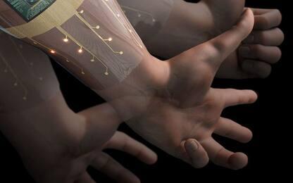 Ideato bracciale capace di riconoscere all'istante i gesti della mano