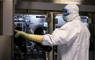 ricercatore in laboratorio