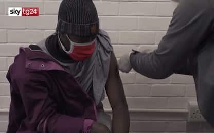Covid, Sudafrica sospende somministrazione del vaccino AstraZeneca