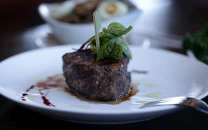 Dieta proteica: i falsi miti e come dimagrire senza alimenti speciali
