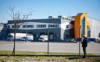 L esterno dello stabilimento della multinazionale Catalent, dove viene infialato il vaccino anti-Codid19 di AstraZeneca, Anagni 25 marzo 2021. ANSA/FABIO FRUSTACI