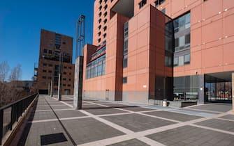 L'università Bicocca con strade e facoltà deserte, Milano, 28 febbraio 2020. ANSA/ANDREA FASANI