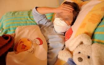 ALLARME INFLUENZA A - I BAMBINI A RISCHIO DI CONTAGIO - VIRUS A H1N1- FEBBRE SUINA - EPIDEMIA  - BAMBINO