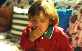 BAMBINO TOSSISCE (MILANO - 2002-03-02, Silvano Del Puppo) p.s. la foto e' utilizzabile nel rispetto del contesto in cui e' stata scattata, e senza intento diffamatorio del decoro delle persone rappresentate