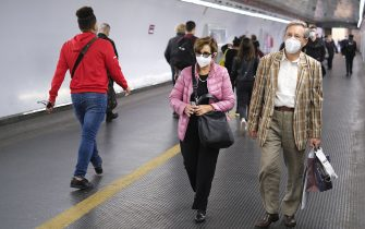 ROME, ITALY - SEPTEMBER 29: People walk in the subway on September 30, 2020 in Rome, Italy.  Italy is likely to extend a state of emergency to help keep the coronavirus crisis under control as the government looks to avoid the surge in new cases hitting other European countries. Picture taken September 29, 2020. (Photo by Max Rossi/Getty Images)