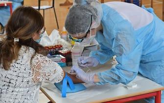 Nella foto:  i Test COVID19 sierologici gratuiti ai cittadini di Bergamo: nella palestra della malpensata  Bergamo 15 Giugno  2020 Tiziano Manzoni