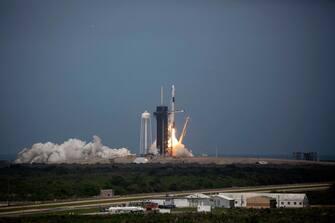 lancio space x crew dragon