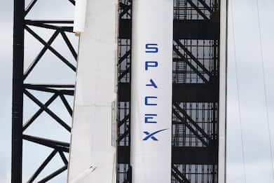 SpaceX, Crew Dragon: rinviato a novembre primo volo umano operativo