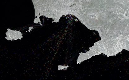 Tre anni di traffico nel Golfo di Napoli in una foto dallo spazio