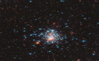 Hubble, la suggestiva immagine dell'ammasso globulare NGC 1805. FOTO