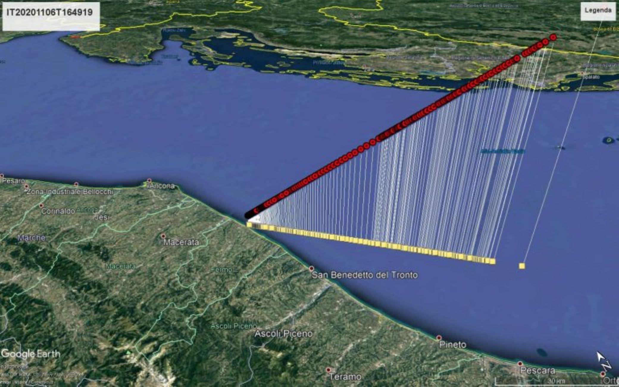 La traiettoria del bolide ricostruita da Prisma e visualizzata con Google Earth