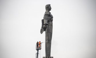 epa07495765 Moscow municipal workers clean the Yuri Gagarin monument preparing for celebrating Cosmonaut Day, the 58th anniversary of Yury Gagarin's epic space flight, in Moscow, Russia, 10 April 2019. The monument is a over 40 meters high pedestal with a sculpture of Gagarin. On 12 April 1961 Soviet cosmonaut Yuri Gagarin circled the Earth for 108 minutes aboard the Vostok 1 spacecraft.  EPA/SERGEI ILNITSKY