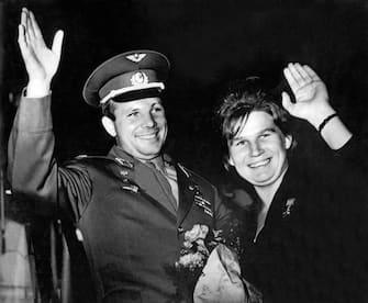 Yuri Gagarin 60 Anni Primo Uomo Spazio