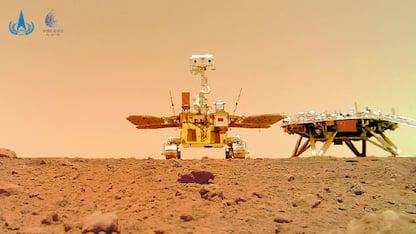 Marte, ecco i primi selfie del rover cinese Zhurong. VIDEO
