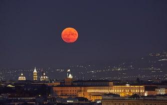 Luna blu a Milano