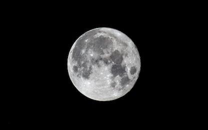 Lo spettacolo della luna blu nei cieli di tutto il mondo. LE FOTO