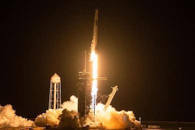 SpaceX Inspiration4, il lancio della Crew Dragon Resilience. VIDEO